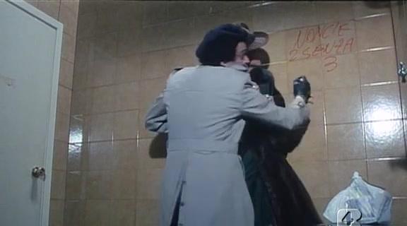 Barbara Bouchet in 40 GRADI ALLOMBRA DEL LENZUOLO 1976 Girls melons duoble anal