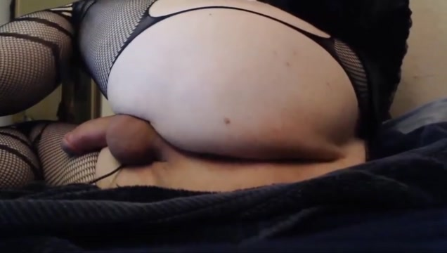 Thicc Femboy Stretching Butt and Fingering Naked amatuer women in Lincoln