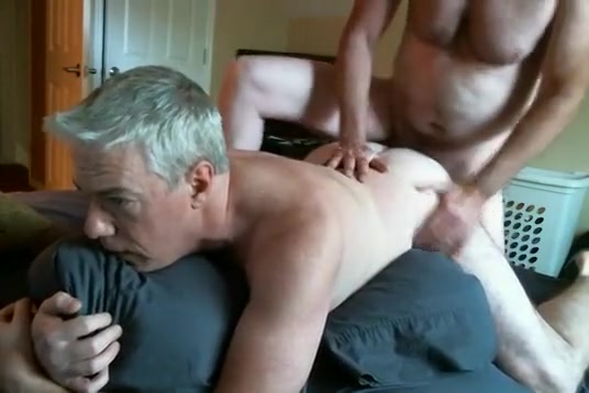 Hottest amateur gay scene with Men scenes Jennifer gets oiled up and fucked!