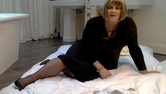 Carolyn in Lace Top Stockings hairy italian women gallery