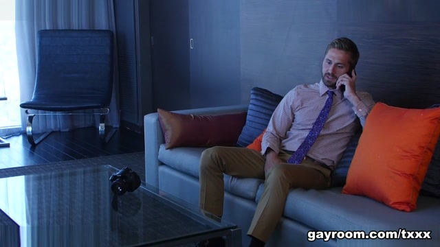 Ryan Pitt & Wesley Woods in #StepDadsGrad - GayRoom Good lines for a girl