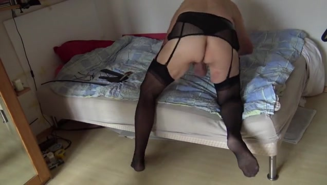 Fonsi aus haidhausen gets spanked Amateur foursome sluts