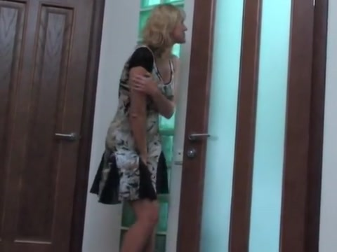 Mature seduces a guy in the bathroom Milf wife big cock fuck video