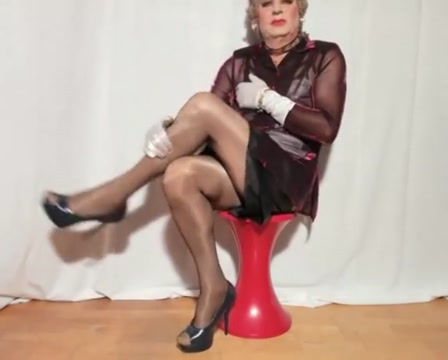 Sexyputa wears fishnet pantyhose 1 german classic milf the graduating class big boobs german granny milf