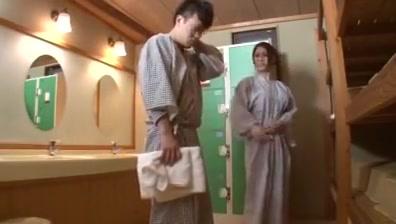 Jap hot spring-sist4-onsen