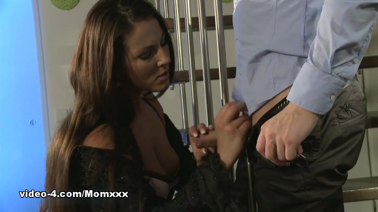 Momxxx video: deep desire barbara dare retro sex