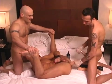 A Latin Guy Getting His Lad-Aperture STRETCHED. Men other guys jerk off normak