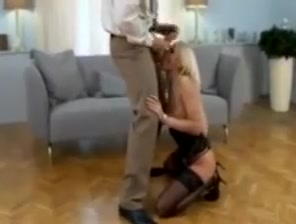 Hot coed gives sugar daddy some ass