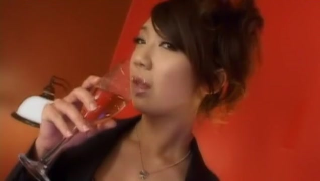 Incredible Japanese model in Fabulous Blowjob, Handjobs JAV clip
