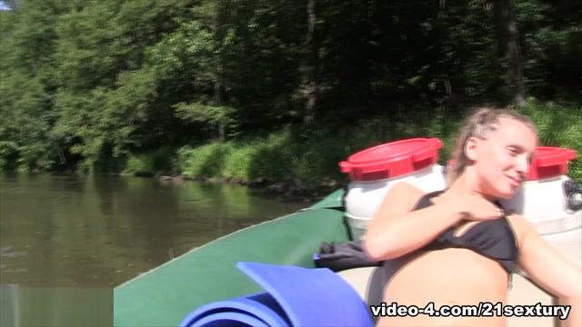 Whitney Conroy in Whitneys Boat Masturbation - 21Sextury