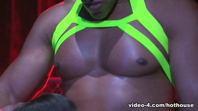 Chris Harder & Michael Thomas in Labyrinth, Scene #02 - HotHouse Red hair sex video
