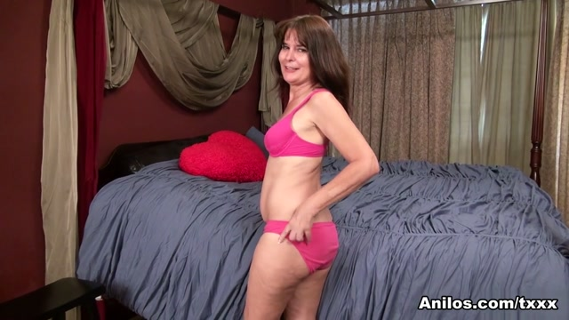 Shelby Ray in Bedroom Antics - Anilos Dorm blow job gif