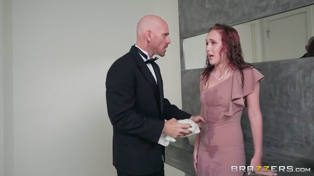 Alice Coxxx & Johnny Sins in Sister Of The Bride - BrazzersNetwork Horney housewifes in Liechtenstein