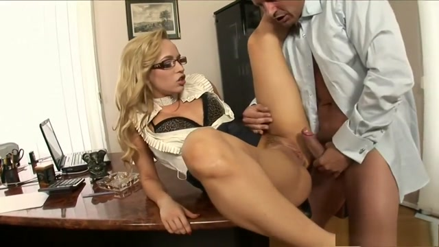 Sultry blonde secretary gets fucked hard and creampied in the office Hot girls getting fucked in Hangzhou