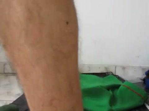 Metiendome 3 pepinos en mi culito Sardinian women