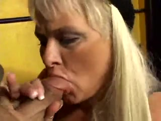 Mature Bbw sabrina gets dicked and facialized skinny young babes galery