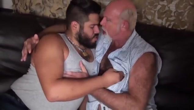 Veny vera 17 bi-sexual men having sex with women