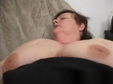 Chunky mature lady has a young studs hard dick making her pussy wet Nxx Soomaali