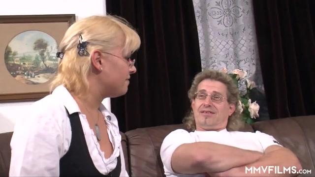 Blonde German Teen Does Her Stepdad Swingers in Leshan