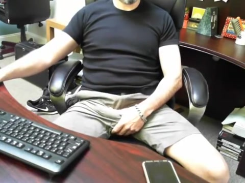Boss daddy is horny at work Hot milf thresomes