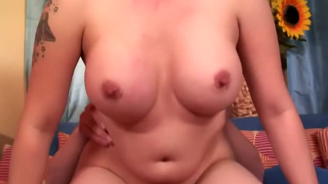 Horny blonde mom with big tits Sophia Mounds has sex with a young stud pictures of women having sex with pillows