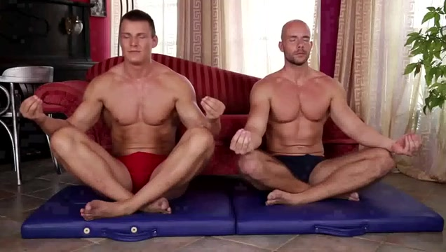 Muscle hunks are always ready thomas connelly and gay