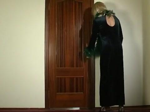 Lubitelskoe-8 Call Girls In Delhi 9654467111 Women Seeking Men
