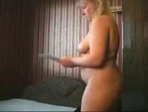 Bbw mature masturbating with dildo
