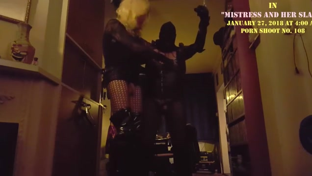 Mistress suleika latex and her slave Black wet pussy get fucked