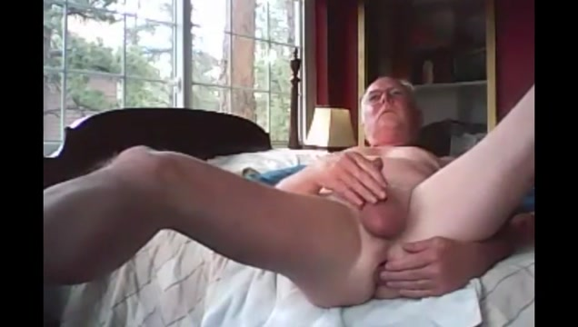Grandpa cum on webcam 9 Who is niall horan dating wdw