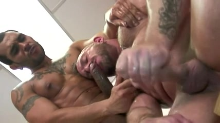 Samuel Colt au gym porn hd for phone