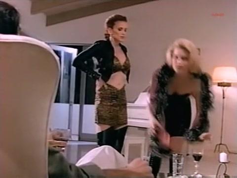 Monique Parent, Wendy Hamilton & Dixie Beck - Scoring (1995) videos of girls with makeup having sex
