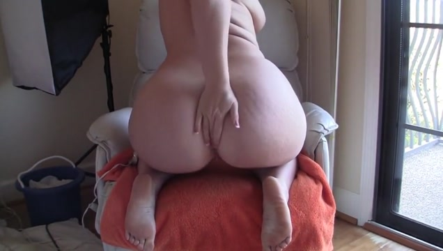 Hitachi and dildo leads to a creaming bbw pussy Google play password incorrect