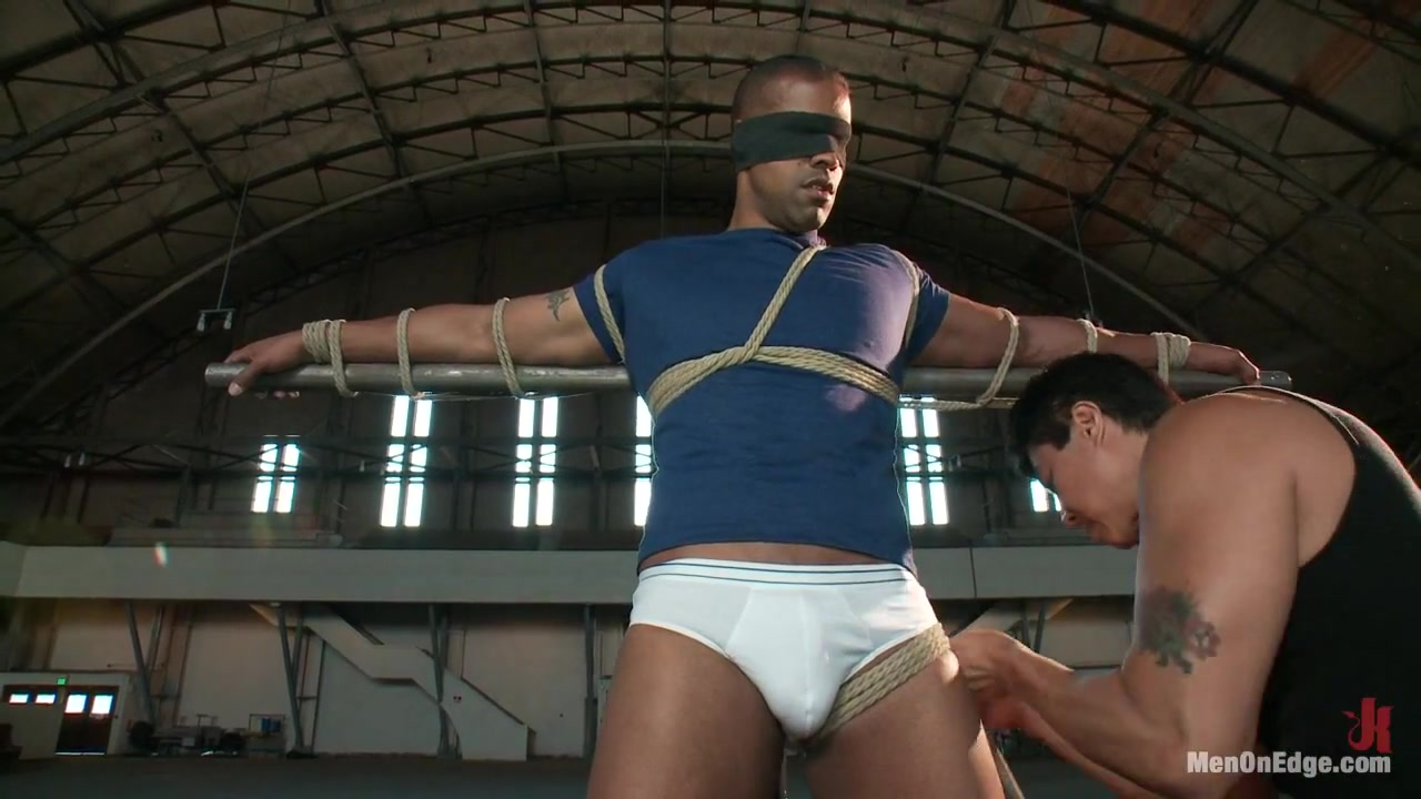 Robert Axel Straight Muscle God Hidden spy cam masturbation
