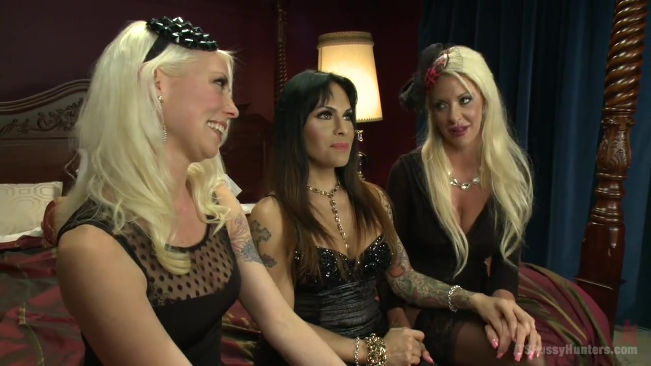 The QueenPin The Fox and The Little Bird Punishing a Narc in Sex Sting