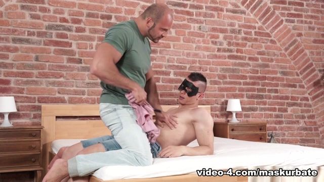Everybody Loves Peter on Maskurbate mature hl porno video