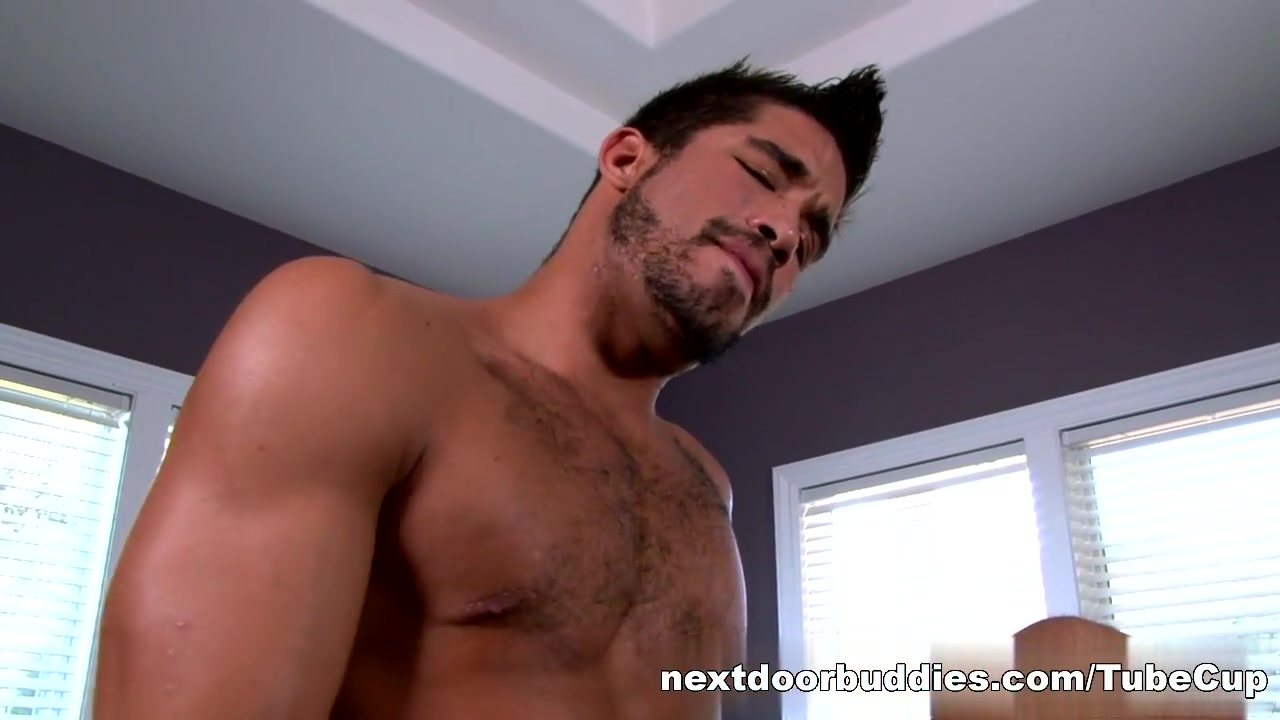 NextDoorBuddies Video: Trey Turner Wanting to meet outdoor girl in Trondheim