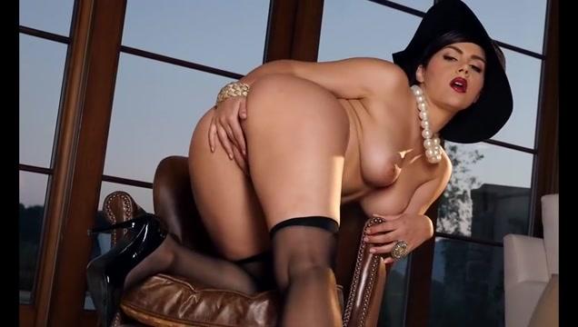 Valentina Nappi - Dangerous Love Random cam girls