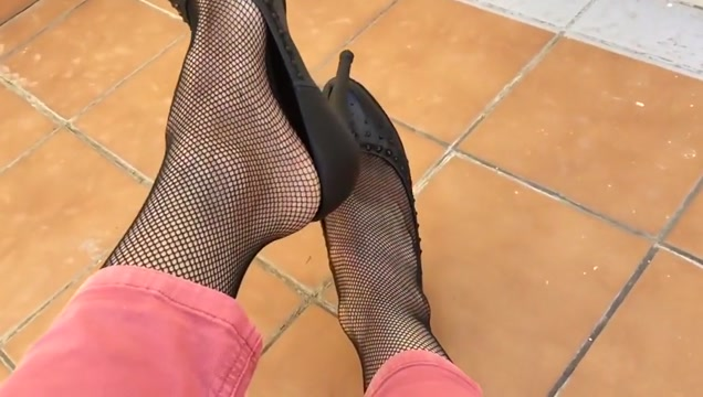 Dangling shoeplay at home. P.3 sexy hot and nude fucking japnese