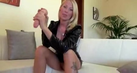 Anale Entjungferung Group of shemales fuck each other