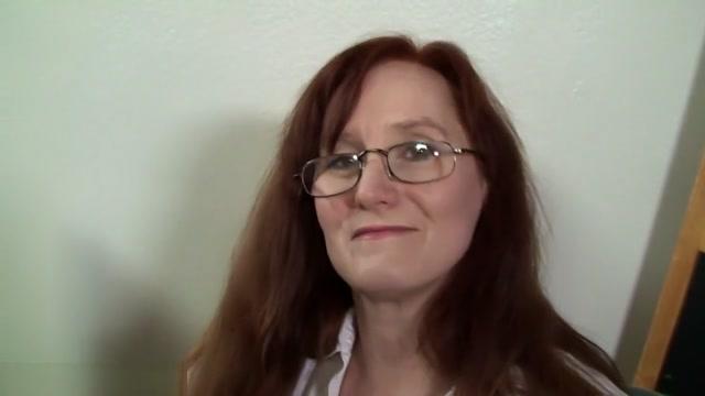 Redhead MILF Got Creampie By Black Dick Leena pornstar pic