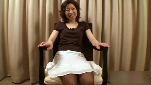 Japanese MILF having fun Pornstar with glasses