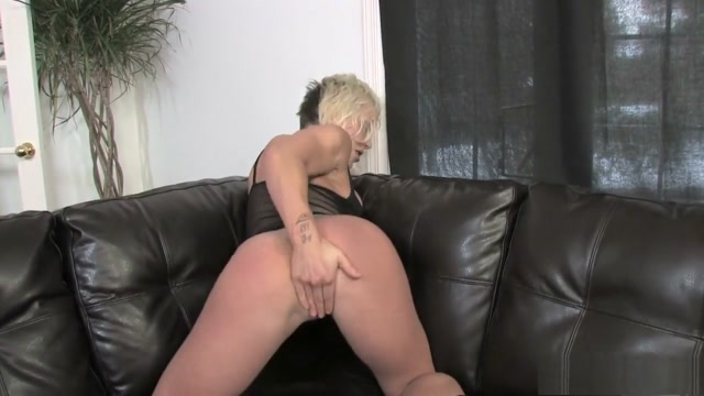 Mesmerizing Denise strips off her outfit and takes herself to orgasm Cara zavalata nude