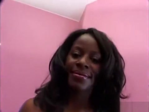 Thick as fuck ebony babe with gorgeous titties gets barebacked