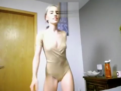 Hot sassyhelen masturbating on live webcam - 6cam.biz