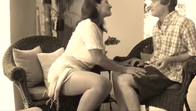 Stepmom teaches some tricks Best vintage blowjob