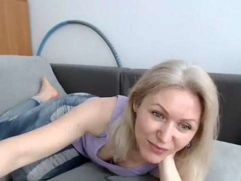 jasmin18v 2016-04-14 08:36:25 blond girl gets fucked