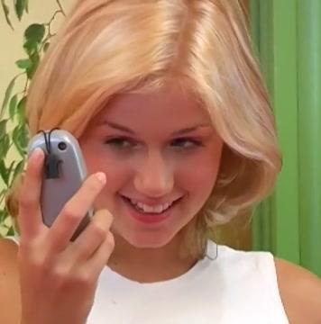 Une etudiante trop jolie nous enchante Babes VELVET SHINE Samantha Jolie