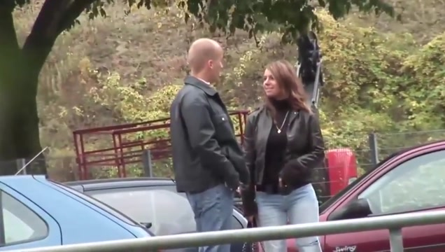 Susi fucked in the park