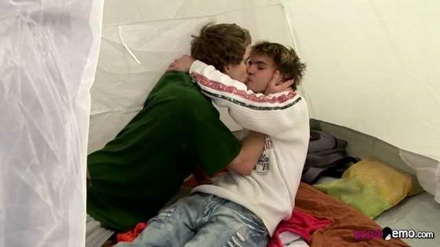 Camping Buddies Bareback Banging - Karel Fox & Patrik Janovic - HomoEmo How do you reduce the redness of a pimple